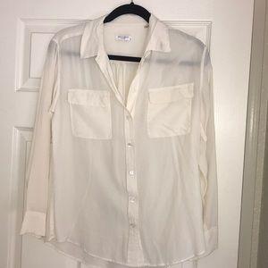 Size M 100% silk equipment blouse